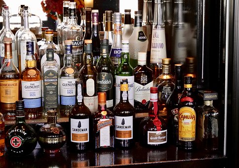 たくさんのウイスキー