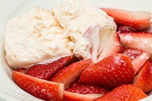 イチゴとアイスクリーム