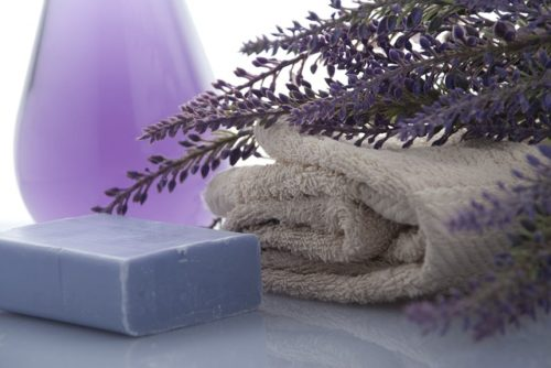 ラベンダーと石鹸、タオル