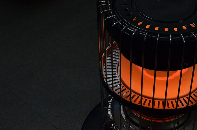 暖房 ヒーター