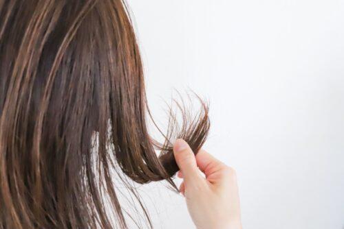 髪のパサつき